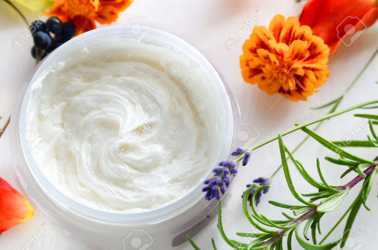 natural cosmetics with herbs - 51072430