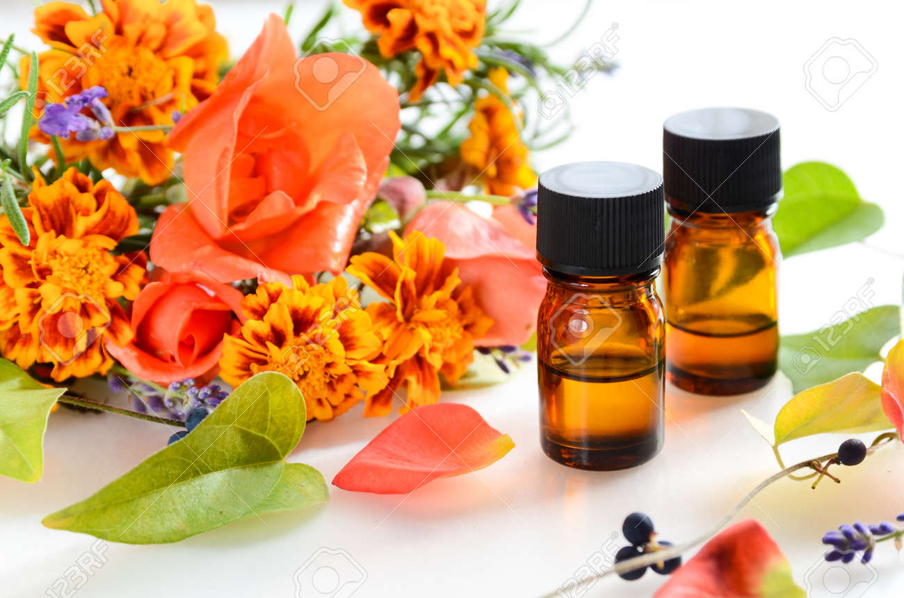 essential oils for aromatherapy treatment - 54571934