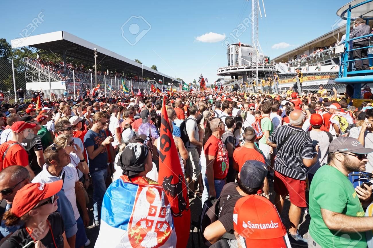 Circuit Monza Italia : Formula eni monza circuit italy week end stock photo