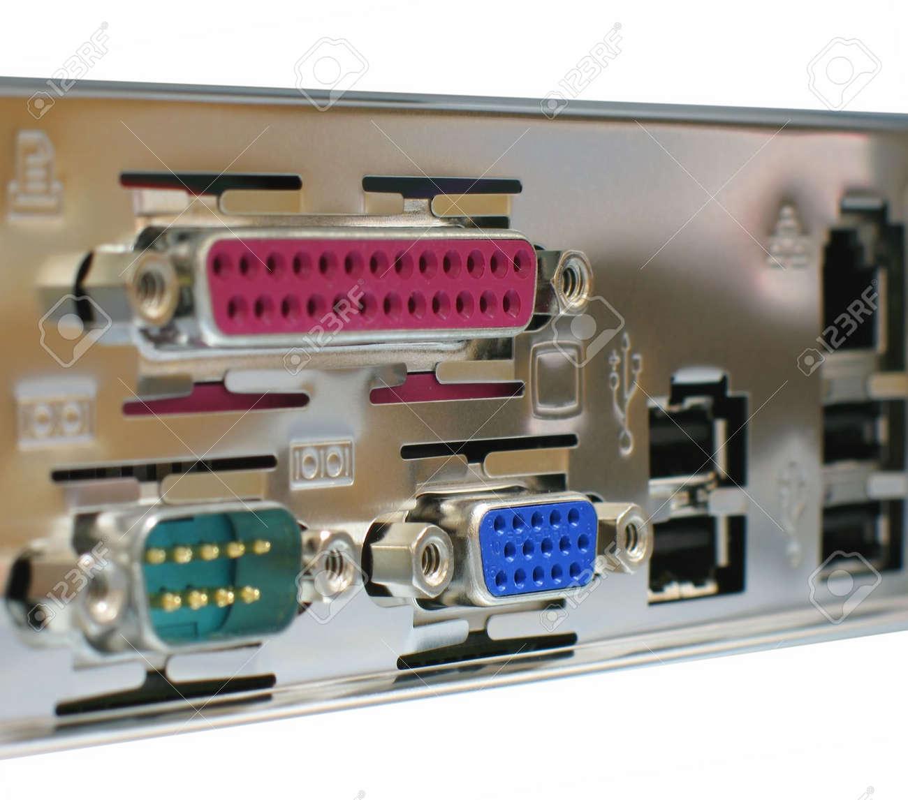 Задняя панель компьютера фото 5