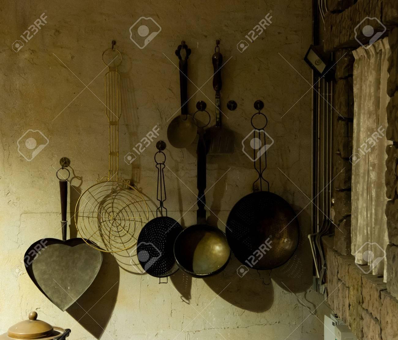 Vecchi Utensili Da Cucina. Lotto Vecchi Attrezzi With Vecchi ...