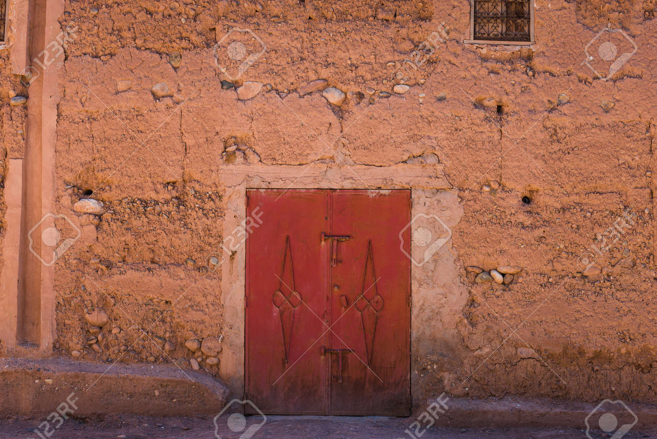door in a clay house in ait ben haddou Stock Photo - 45726342 & Door In A Clay House In Ait Ben Haddou Stock Photo Picture And ...