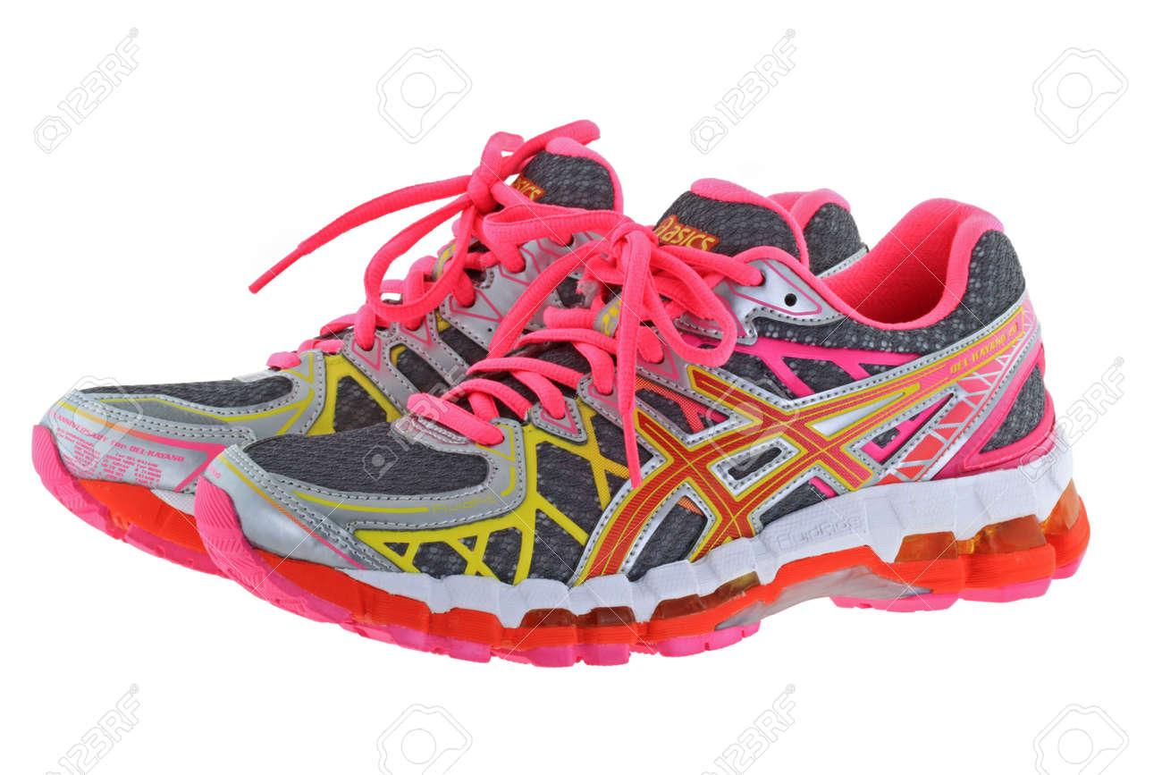 brand new dd023 67c23 BANGKOK, THAÏLANDE - Juillet 2014 Une Paire De ASICS Gel Kayano Chaussures  20 De Course Pour Les Femmes Le 25 Juillet 2014, Bangkok, Thaïlande Kayano  20 Est ...