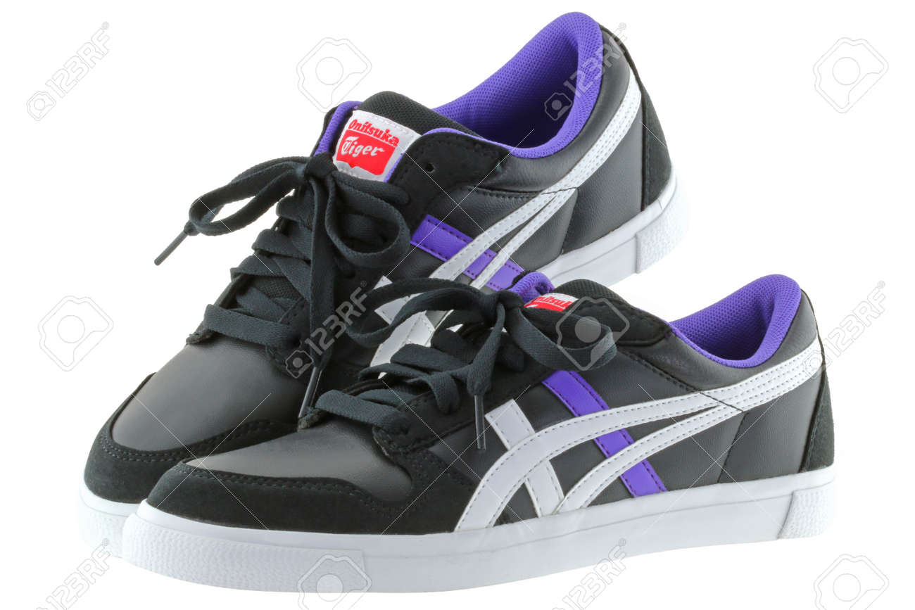 reputable site 653c9 c42a5 A pair of Onitsuka Tiger A-SIST vulcanised shoes for women in..