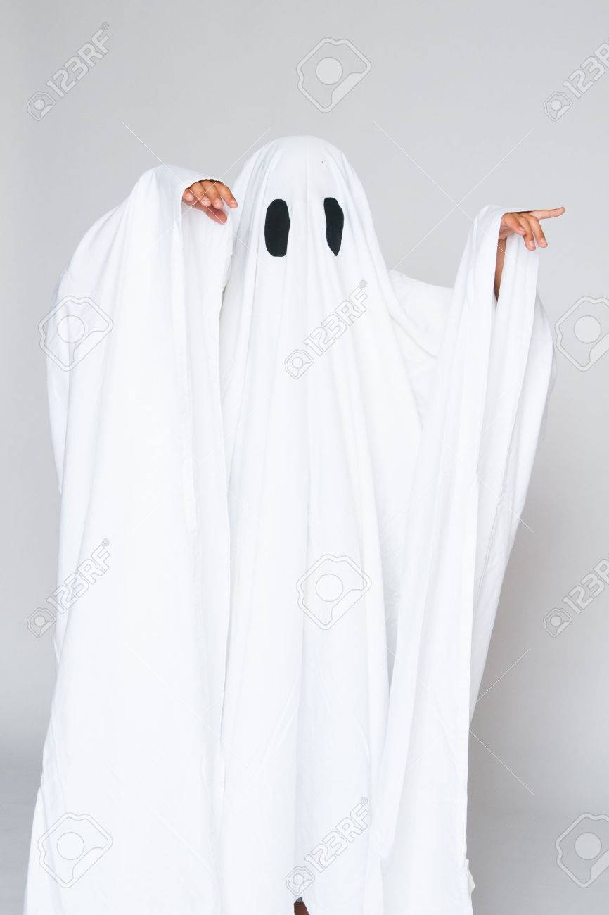 Stock Photo - young child dressed in a ghost costume for halloween  sc 1 st  123RF.com & Young Child Dressed In A Ghost Costume For Halloween Stock Photo ...
