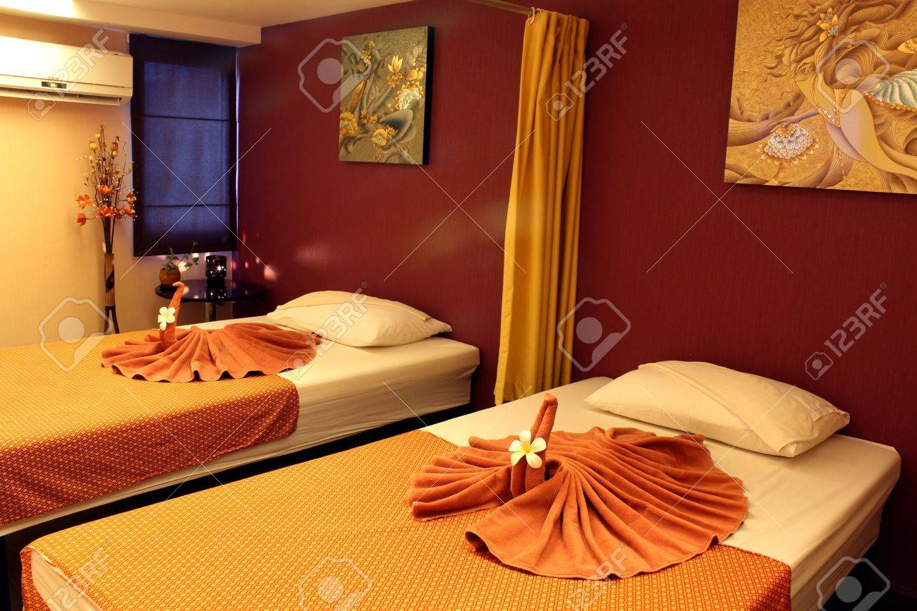 room massage in the hotel. Stock Photo - 10958031
