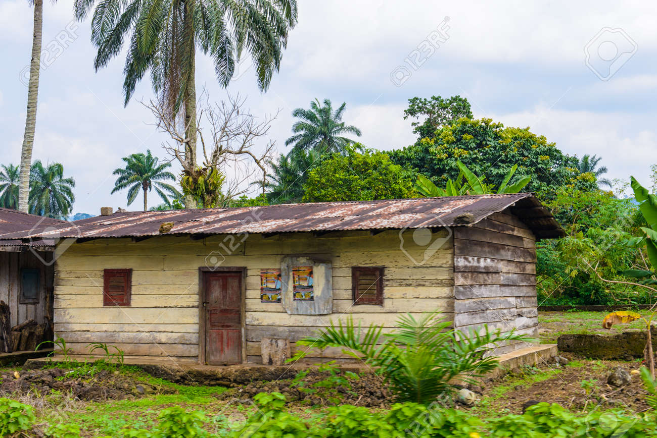 Groovy Poor House In Village In Cameroon Interior Design Ideas Apansoteloinfo