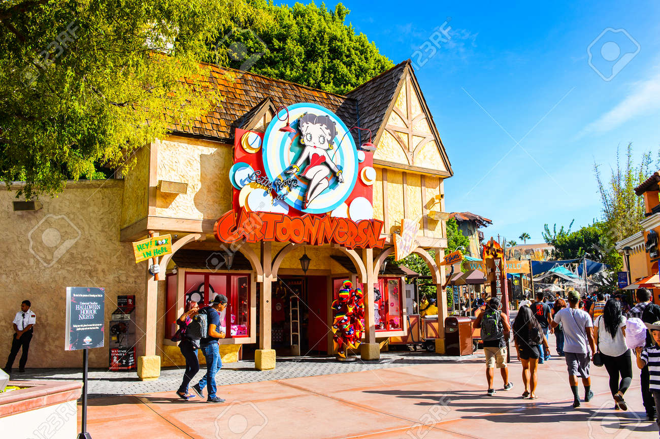 10 Inspirerende Hallen : Los angeles usa sep 27 2015: universal studios hollywood.. stock