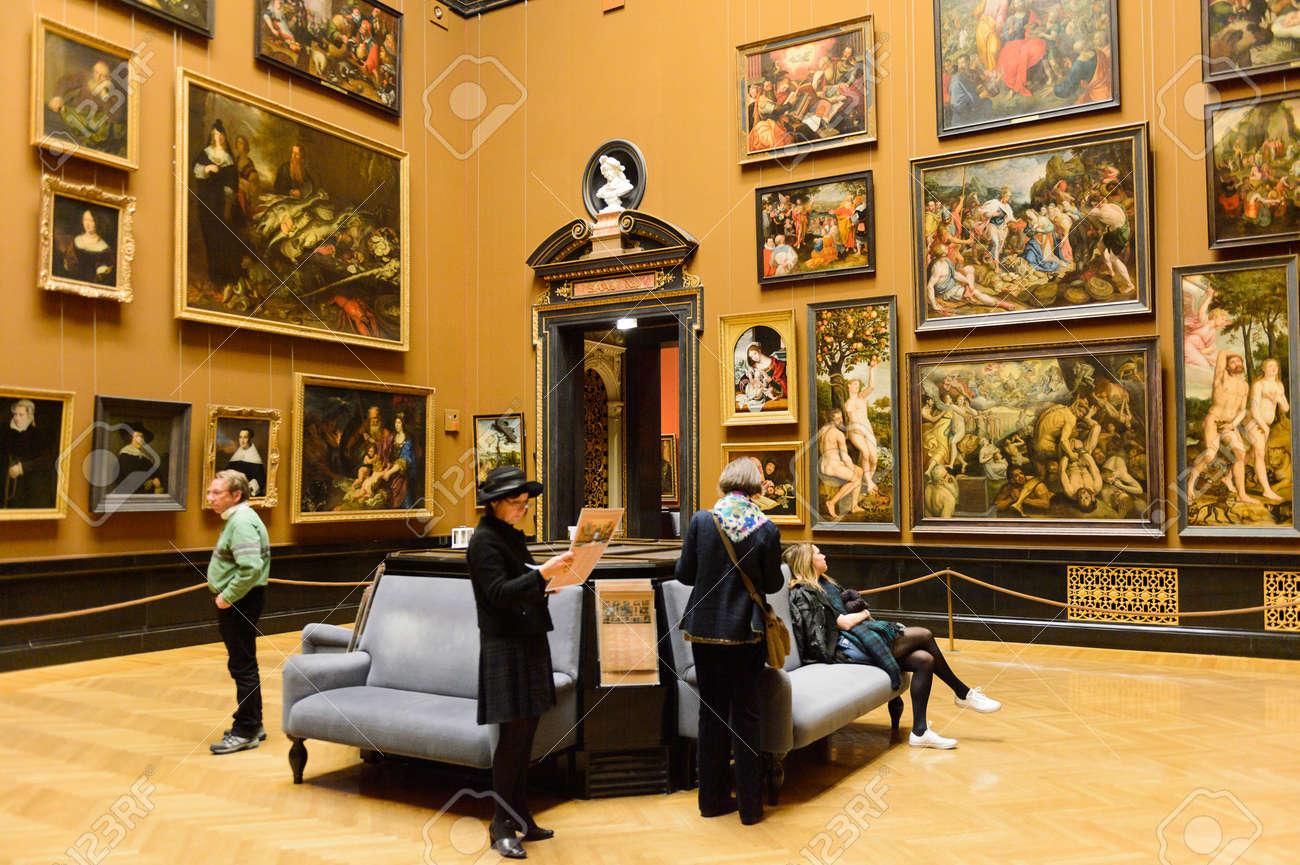 VIENNA, AUSTRIA - NOV 17, 2015: Gallery of the Kunsthistorisches Museum (Museum of Art History). It was open in 1891 - 107179982
