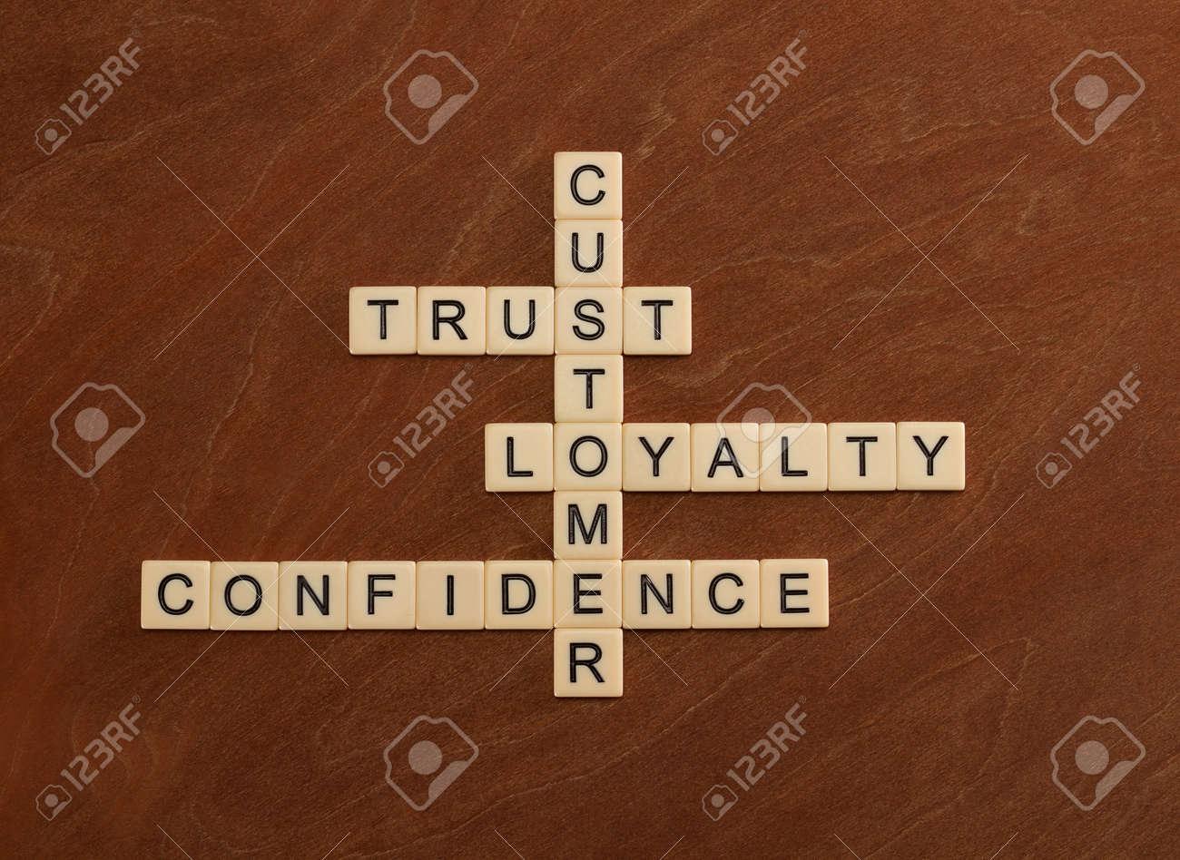 Immagini stock cruciverba con parole fiducia fedeltà fiducia