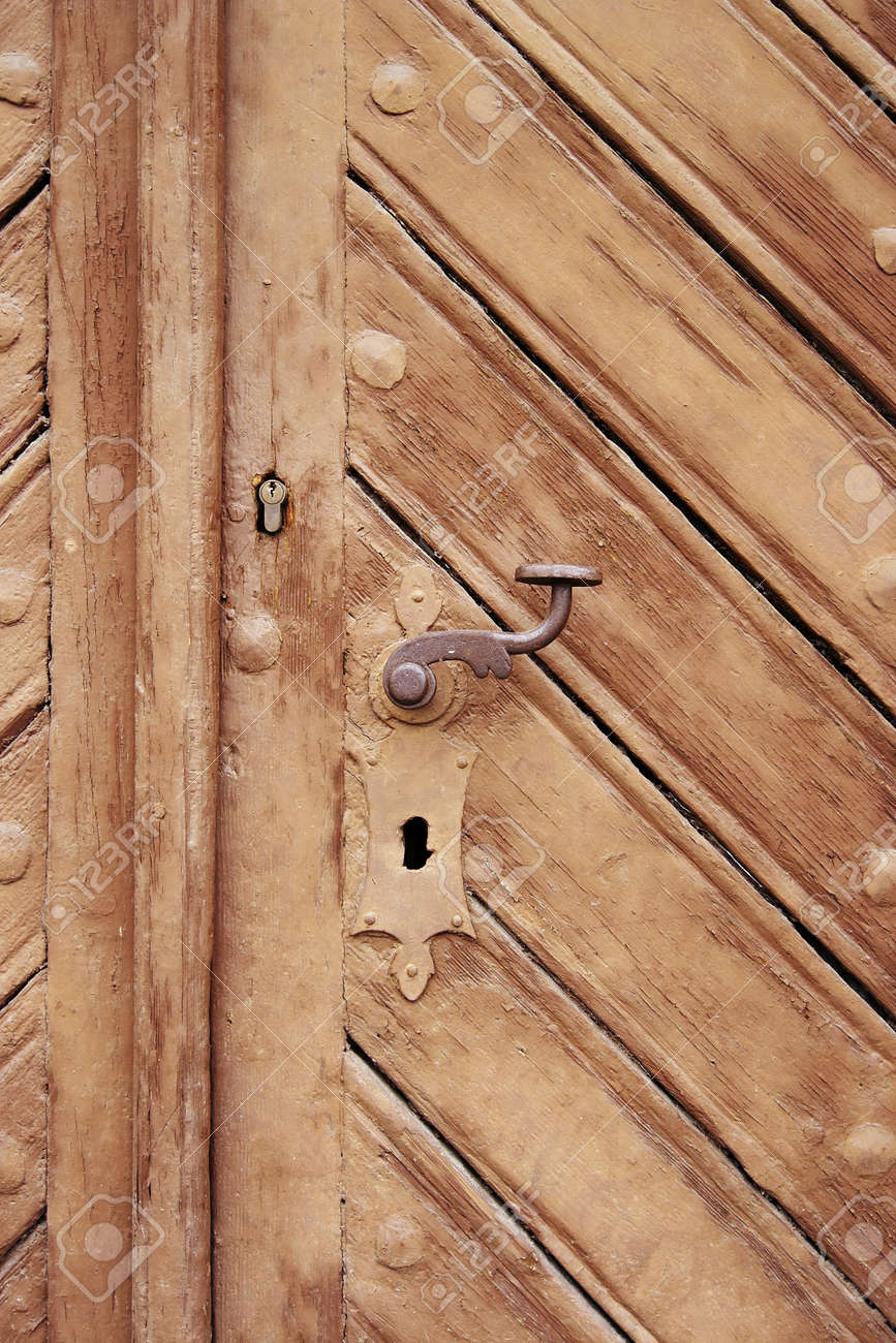 closed and locked old door Stock Photo - 10706570