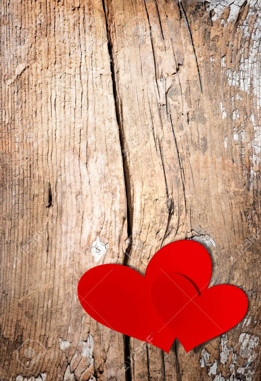 San Valentino Vintage Handmade Coppia Hearts su sfondo in legno Stock Photo  , 25334566