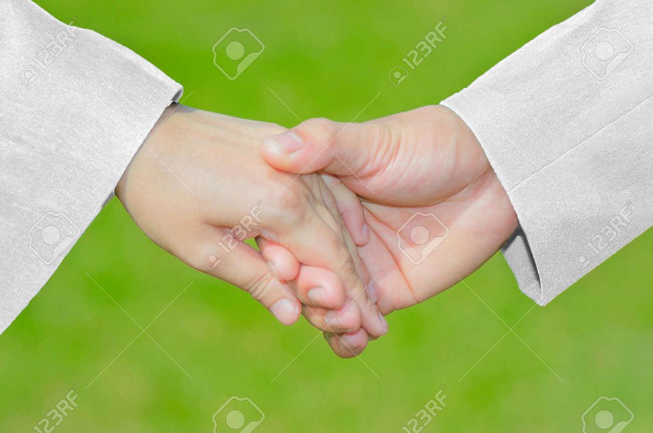 Liebes-Sorgfalt-Symbol, Hand, Die Hand Mit Weißer Klage U. Kleid ...