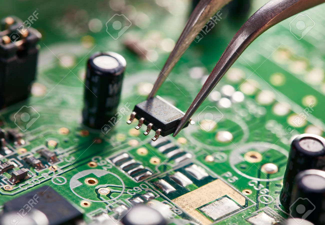 Assembling a circuit board. Technological background - 69637004