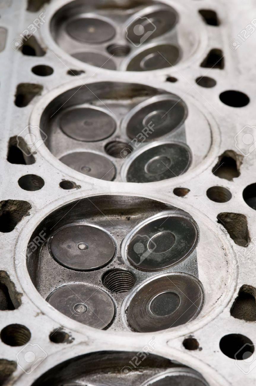 Ein Teil Der Auto-Motor, Vier Ventile Im Kopf Für Jeden Zylinder ...