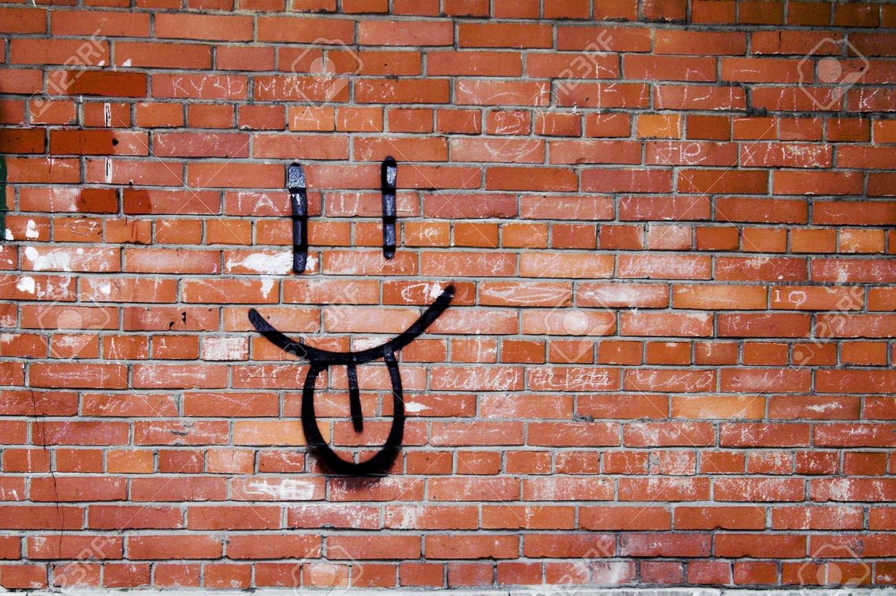 graffiti pared pared de ladrillo y smile graffiti smile graffiti en una pared de