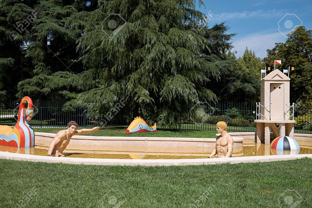 I bagni misteriosi si trasformano in pista di pattinaggio
