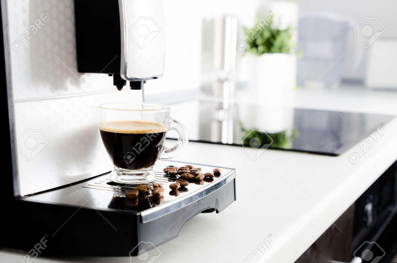 Excelente Muebles De Tocador Vivero De Café Espresso Molde - Muebles ...