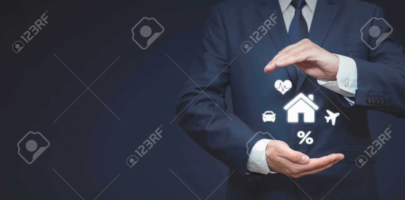 Agent in suit on insurance concept. Home, health, car, travel, finance safety - 125165176