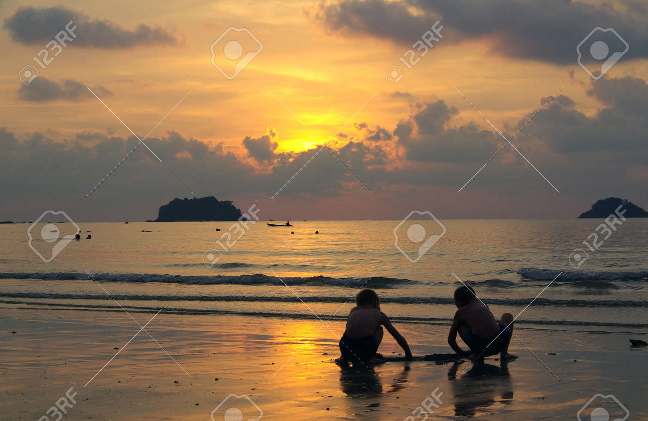 Sunset on the island of Koh Chang, Thailand Stock Photo - 17553422
