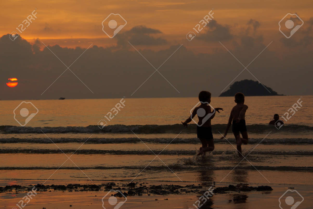Sunset on the island of Koh Chang, Thailand Stock Photo - 17553413