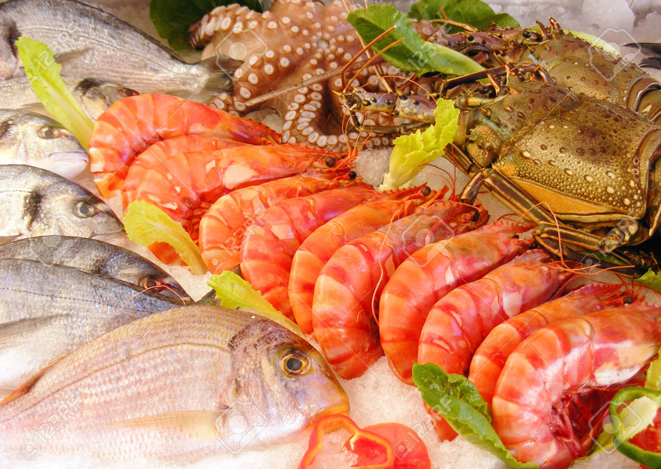 Fresh seafood photographed in a fishmarket Stock Photo - 11408366