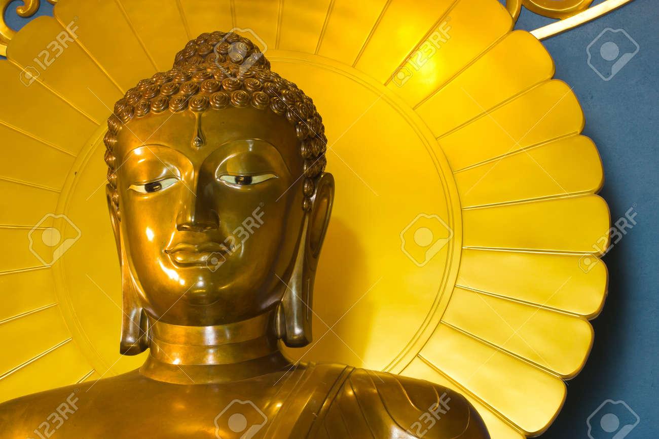 Golden Buddha statue Stock Photo - 16615514