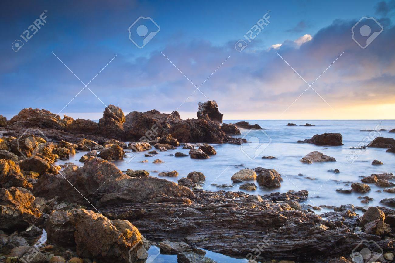 Un plan large de Corona Beach à Newport Beach en Californie au coucher du soleil Banque d'images - 16007393