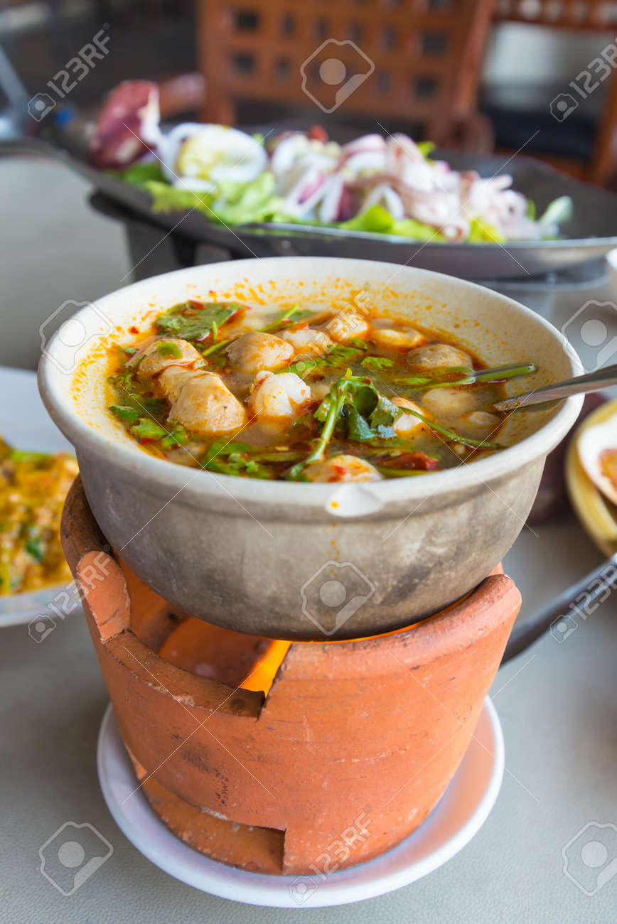 Tom yum kung Stock Photo - 18615625
