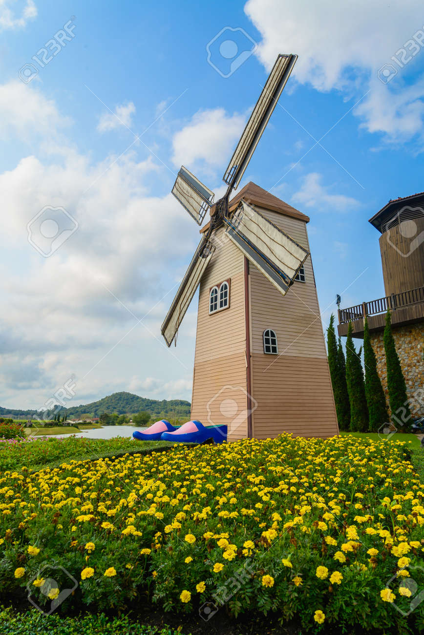 Wind Turbine at chonburi province (Thailand.) Stock Photo - 18667153
