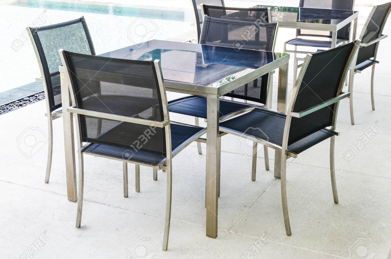Stuhl Tisch Innen Lizenzfreie Fotos Bilder Und Stock Fotografie