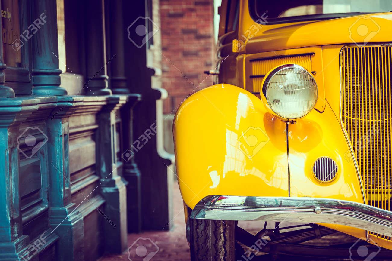Headlight lamp  vintage car - vintage filter effect Standard-Bild - 43005940