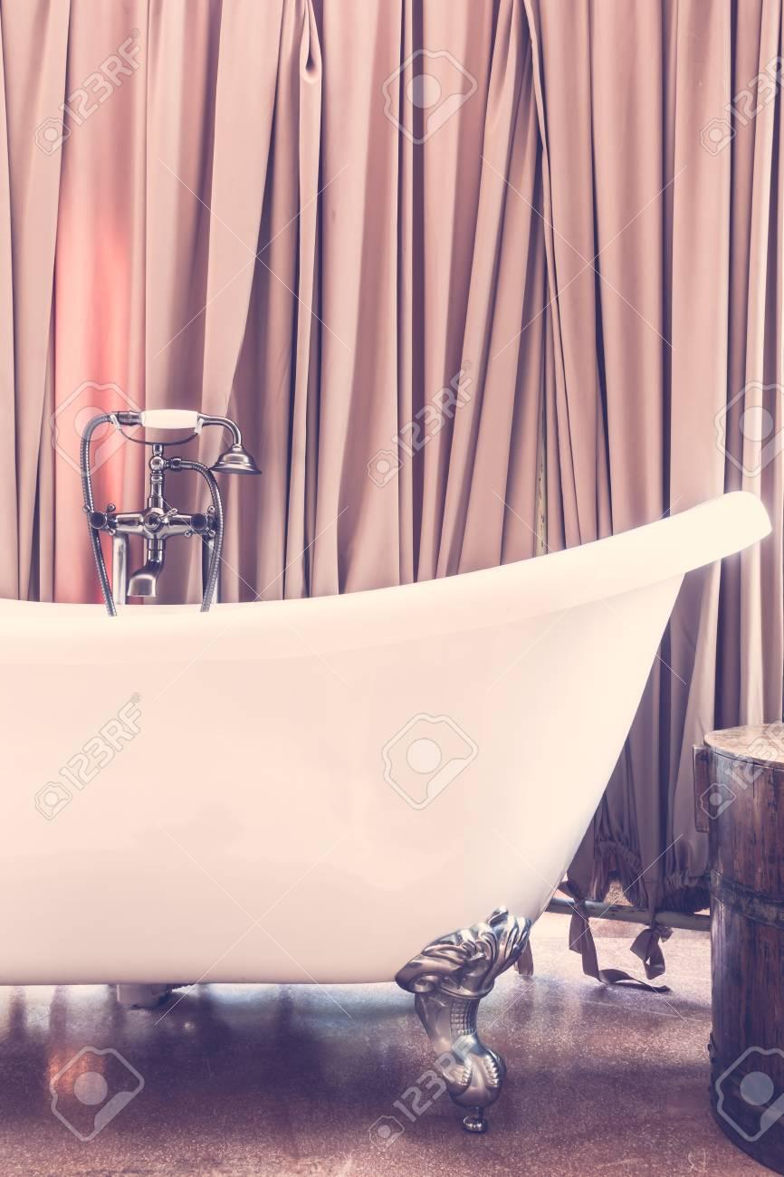 Beautiful Luxury Vintage Bathtub Decoration In Bathroom Interior
