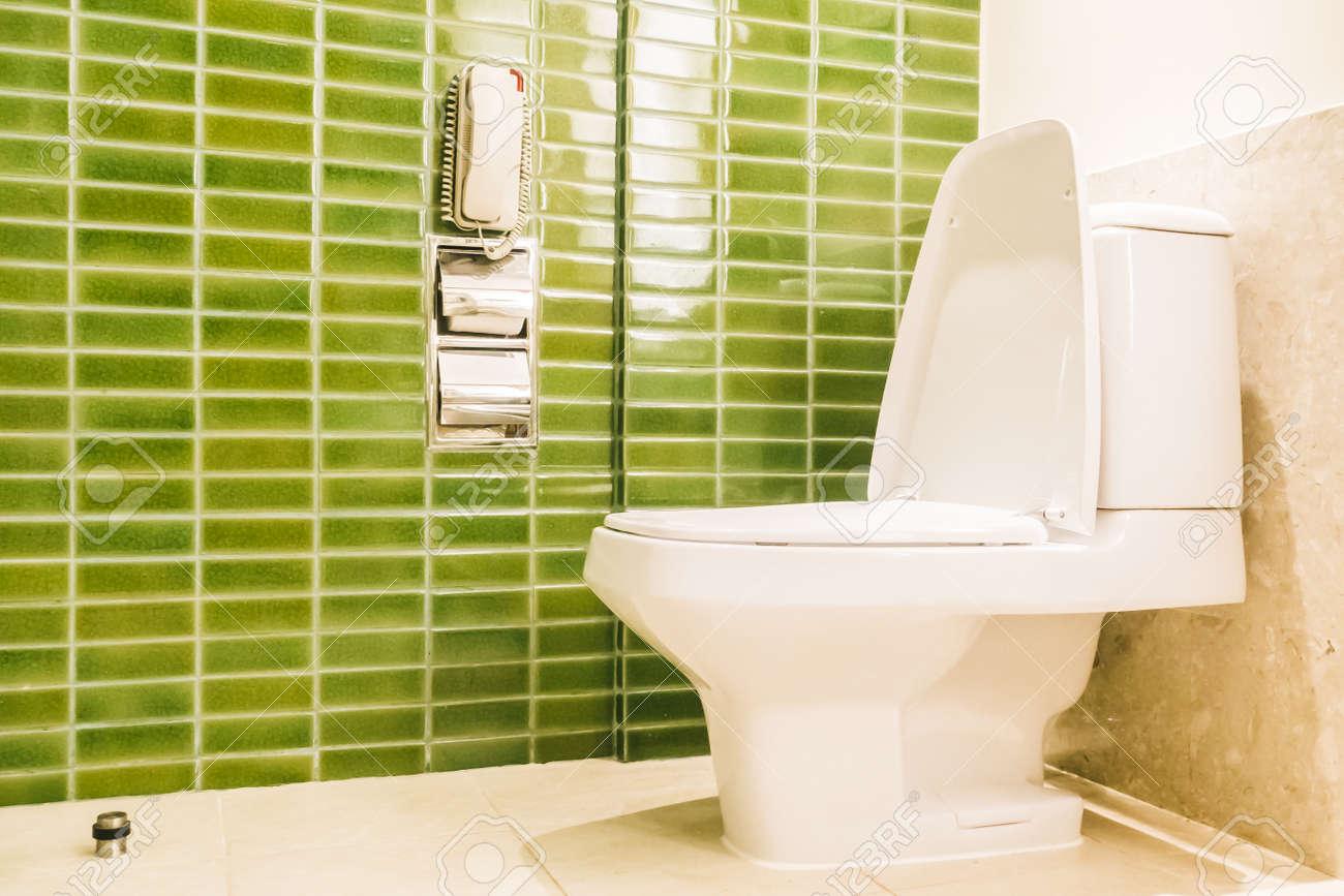 Intérieur toilettes décoration de salle de toilette - Filtre lumière Vintage