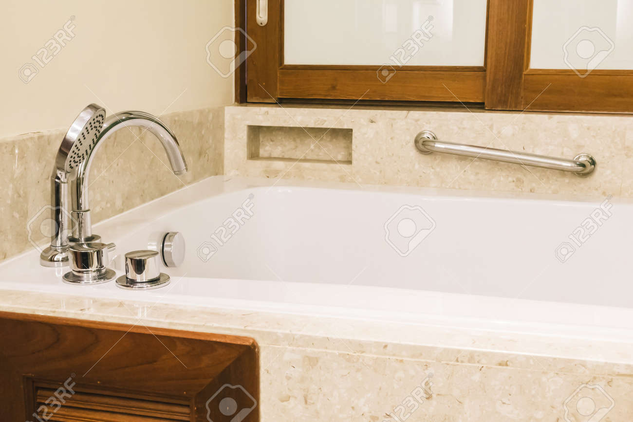 Vasca Da Bagno Vintage : Decorazione della vasca da bagno nell interno del bagno filtro
