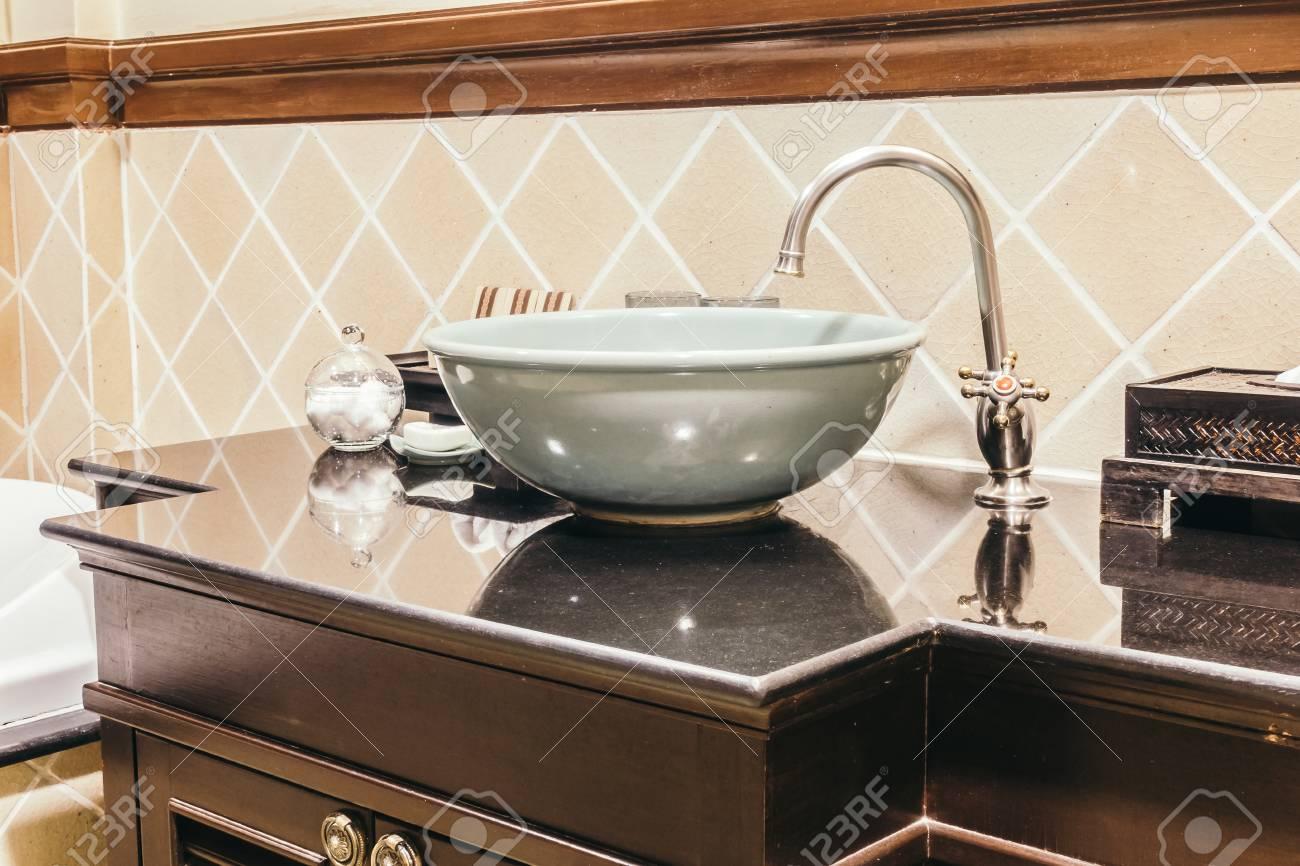 Schone Luxus Waschbecken Dekoration Im Badezimmer Interieur