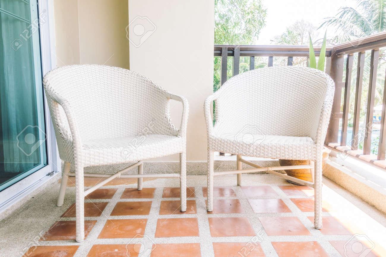 Chaise Vide En Balcon Et Terrasse Interieure Decoration Filtre