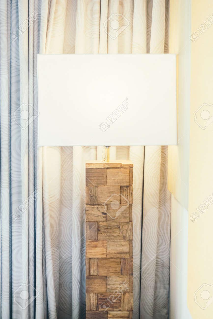 Decorazioni Camera Da Letto tabella decorazione della lampada della luce in camera da letto interni -  vintage filtro luce