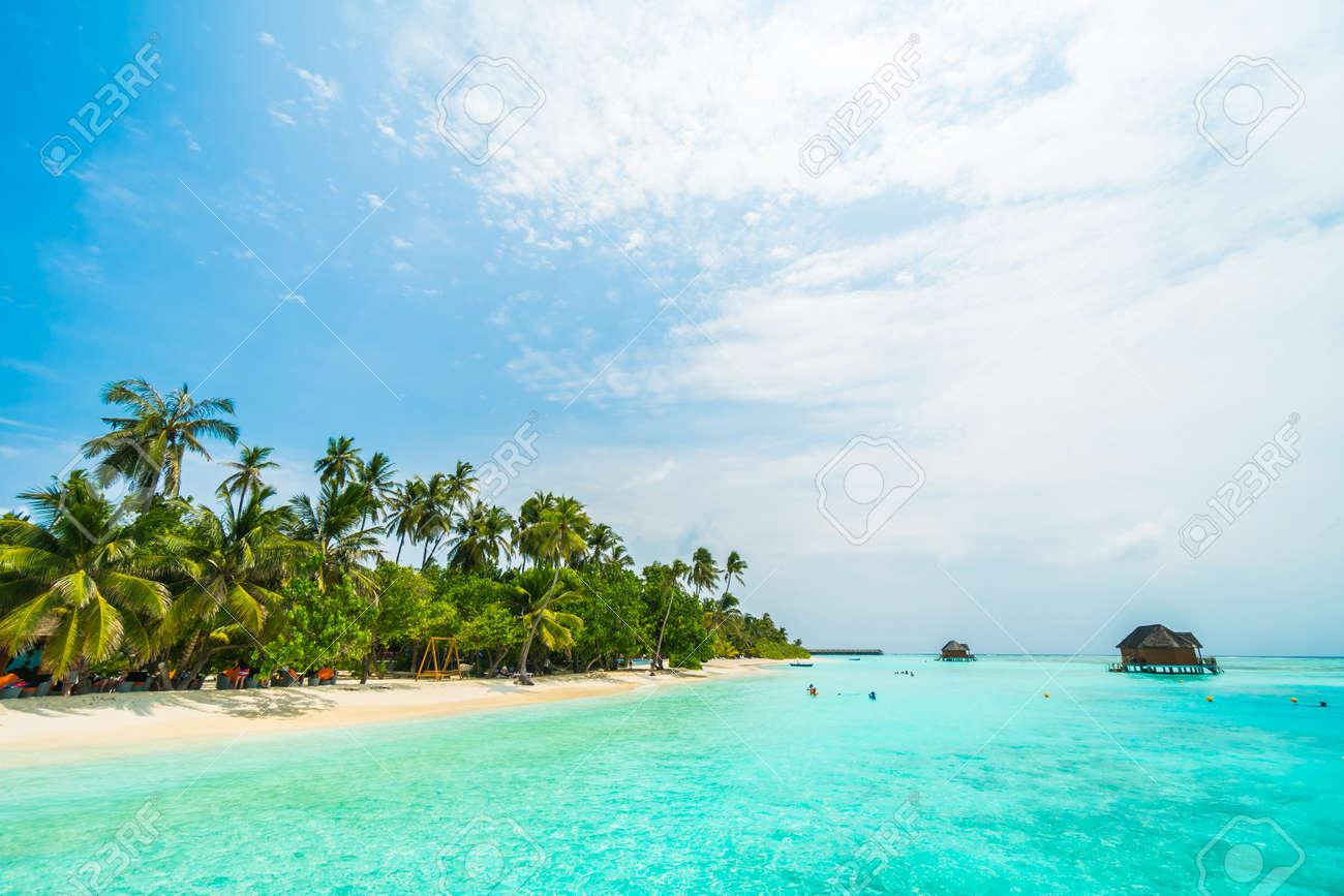 Immagini Stock Bellissima Isola Tropicale Delle Maldive Con