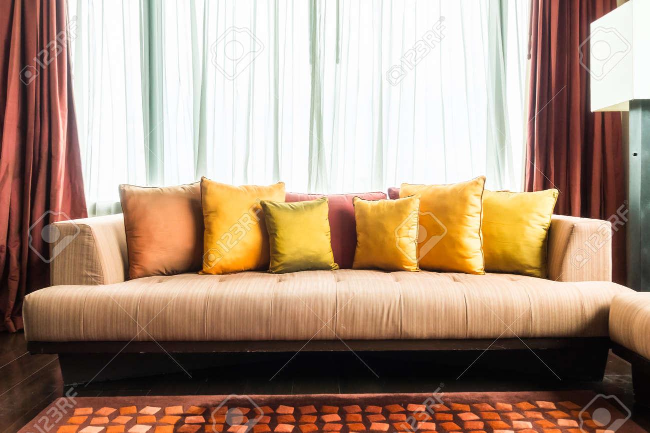 Bunte Kissen Auf Dem Sofa Dekoration Im Wohnzimmer Innenraum