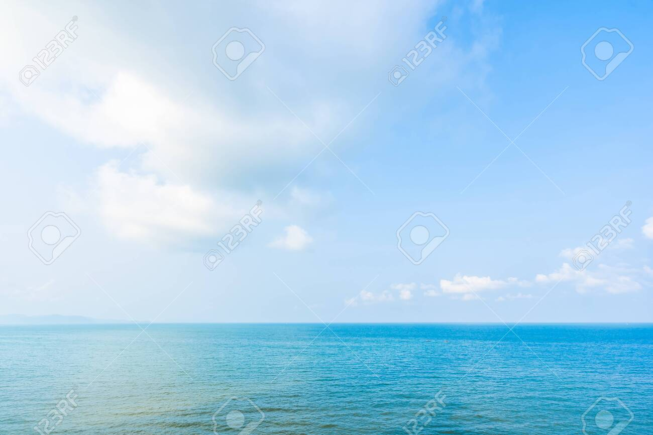 Beautiful landscape of sea ocean with white cloud and blue sky with copy space for leisure travel and vacation - 120773985