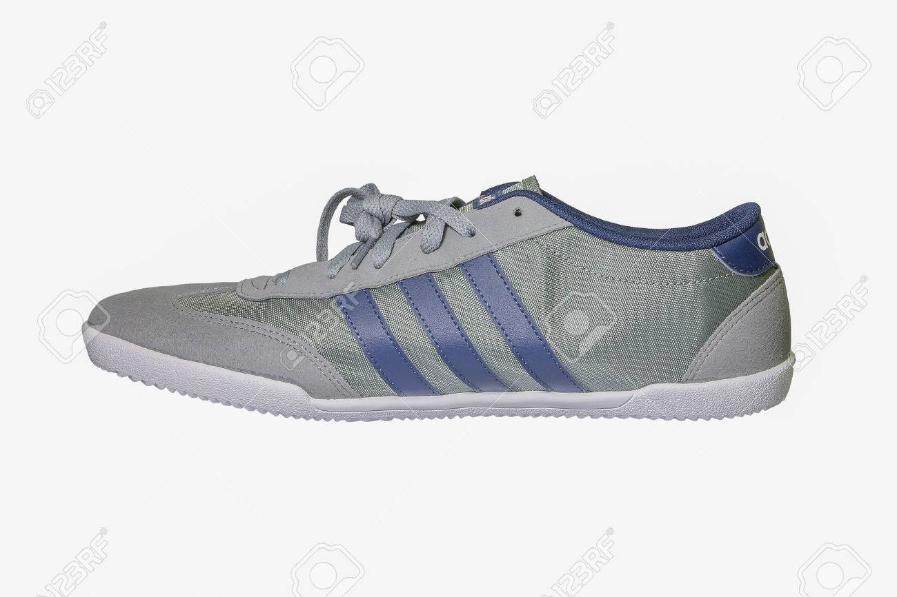 chaussure adidas neo