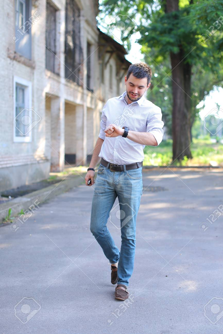 537026cfb2a09 White Shirt Blue Jeans Brown Loafers - raveitsafe