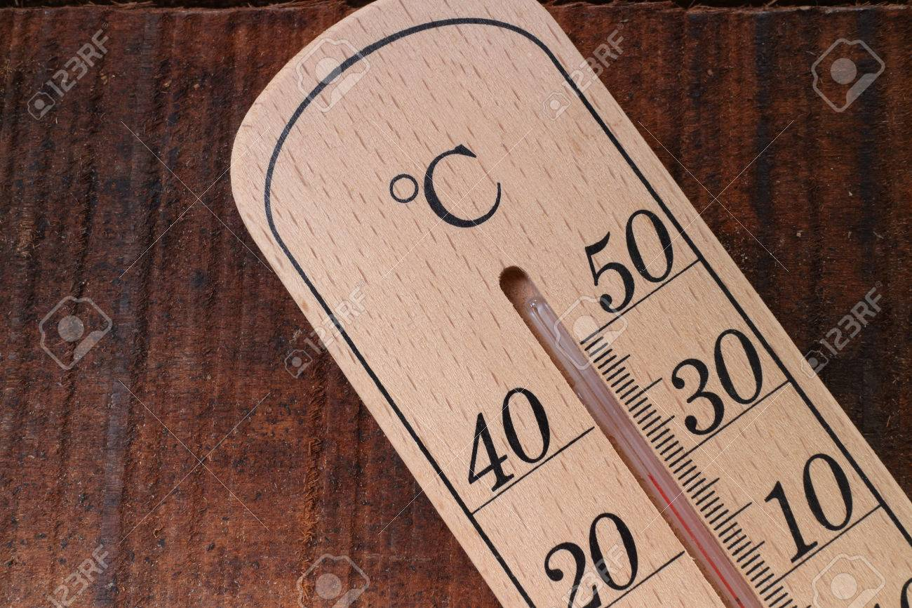 summer temperature on wood table - 41216475