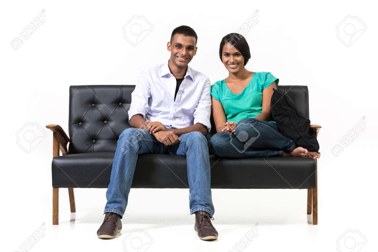 Парочка на белом диване фото 55-122