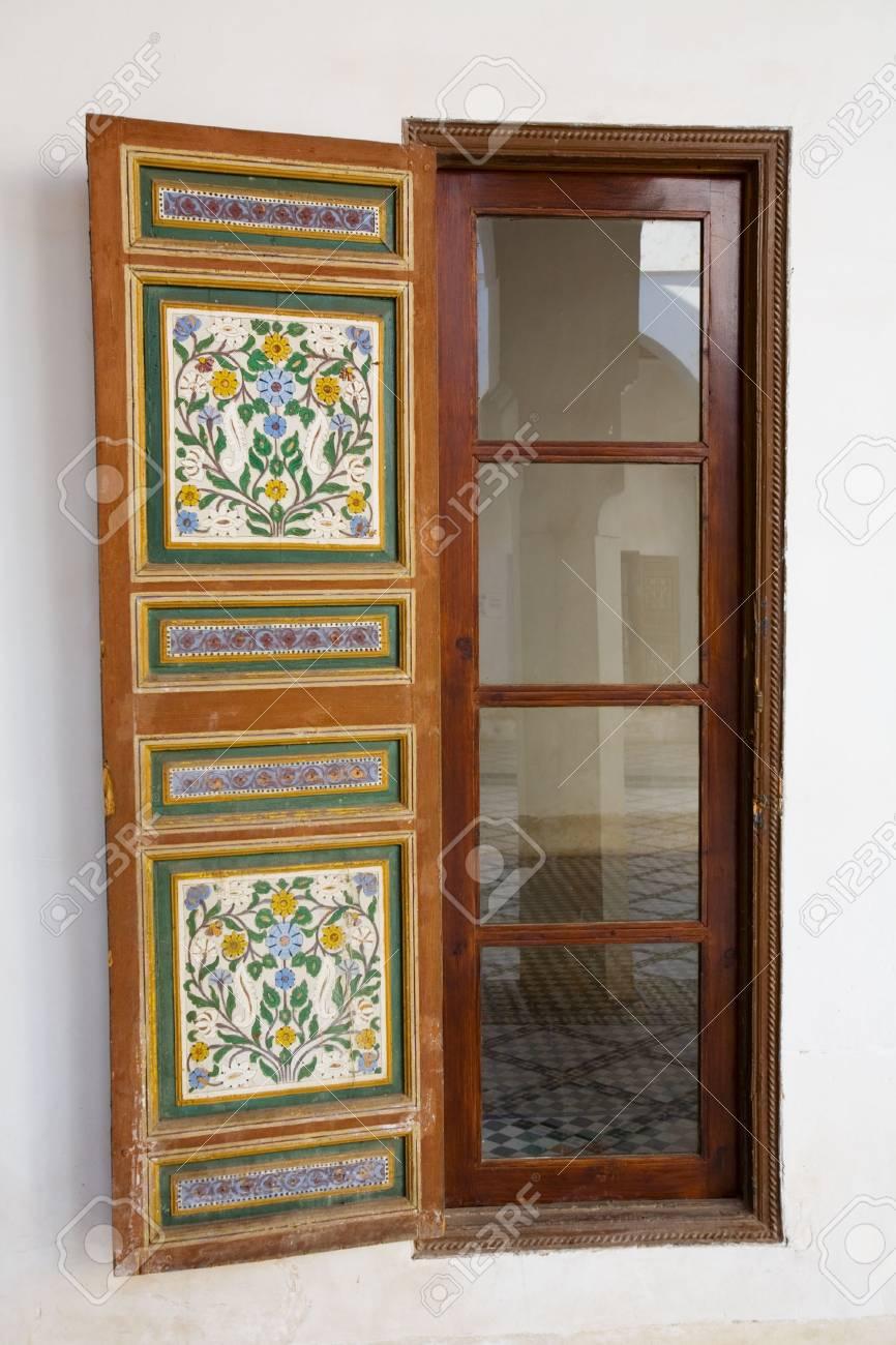 Fenêtre Dans Le Patio Marocain Banque Dimages Et Photos Libres De
