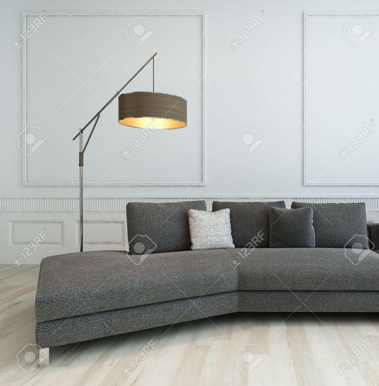 Grau Couch Stehend Vor Weißem Barock-Stil Mit Wand-Stehlampe ...