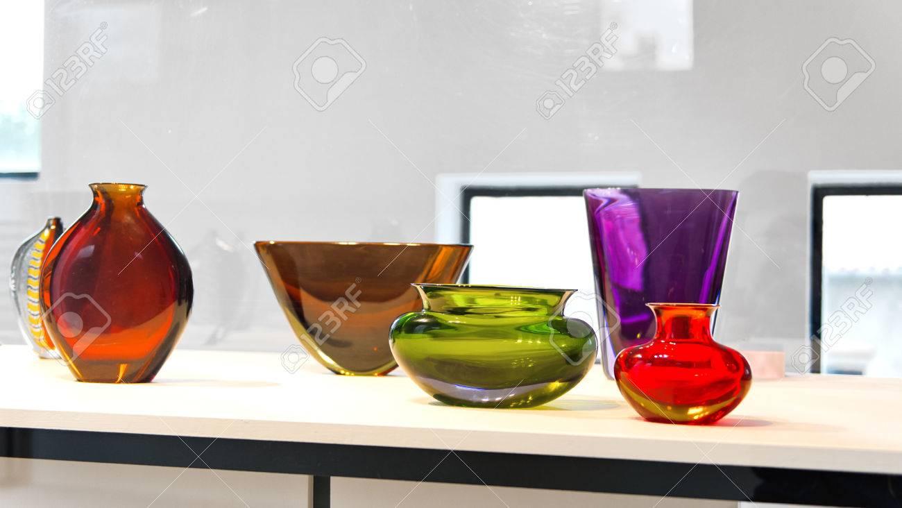 foto de archivo jarrones de cristal de murano de colores en la exhibicin en una fbrica en la isla laguna de murano venecia italia