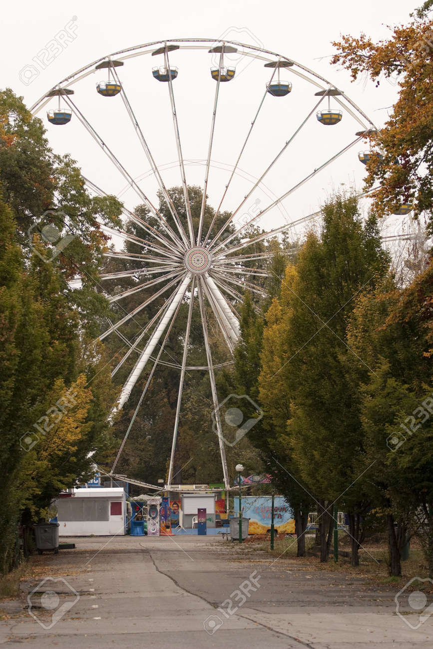 Empty big wheel on a fairground - out of season Stock Photo - 5766496