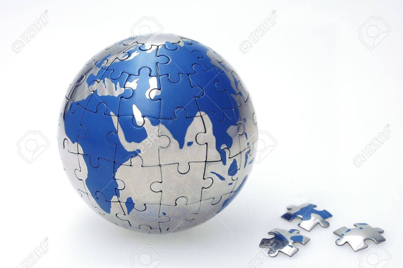 Globe collected from puzzle parts Standard-Bild - 8039134